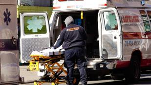 Nem megy csődbe egy amerikai sem a koronavírus-kezelés kórházi számláitól