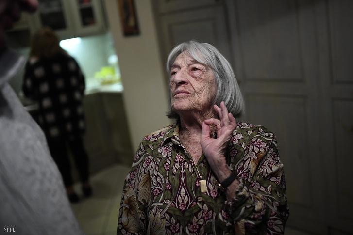 A 99 éves Keleti Ágnes budapesti otthonában 2020. január 10-én.