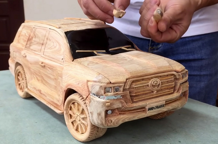 2020 land cruiser wood model 1
