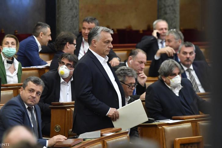 Orbán Viktor az Országgyűlés plenáris ülésén 2020. március 30-án