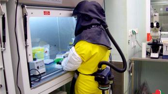A tétlenségre kárhoztatott kutatók be akarnak kapcsolódni a járvány legyőzésébe