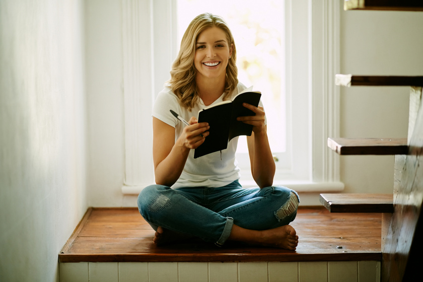 Bizonyított, boldogabb és kiegyensúlyozottabb, aki naplót ír: így segít a Bridget Jones-effektus