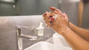 Melyik a hatásosabb, a szappan vagy a kézfertőtlenítő?