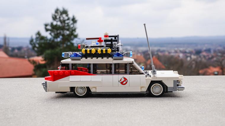A szellemirtók első részének 30 éves évfordulójára készült a szett, még az eredeti 1959-es Cadillac Miller-Meteort modellezi
