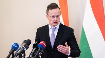 Szijjártó: A liberális mainstream ismét össztűz alá vette Magyarországot