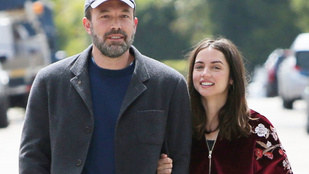 Ben Affleck és barátnője totál kimarad a világvége-hangulatból