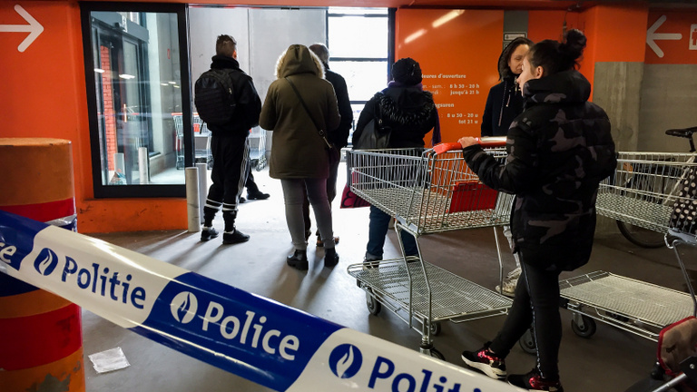 Röpködnek a több száz eurós bírságok Belgiumban