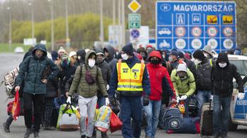 Feltorlódtak az ukrán vendégmunkások a záhonyi határon
