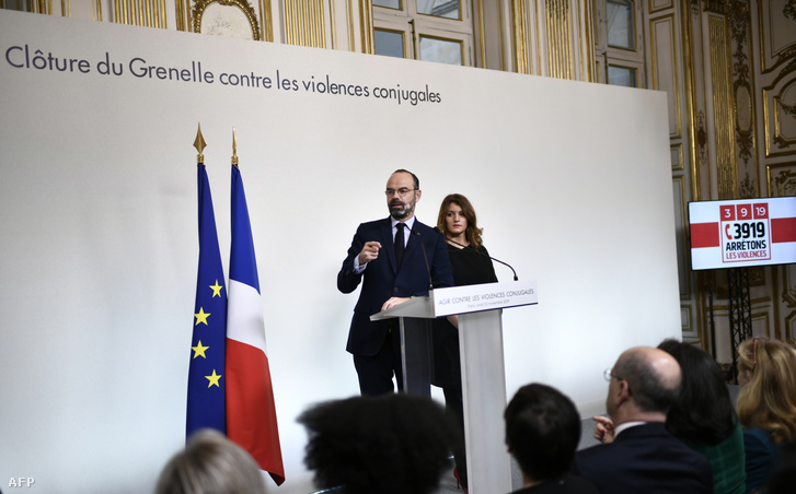 Edouard Philippe francia miniszterelnök és Marlene Schiappa beszéde a családon belüli erőszakról