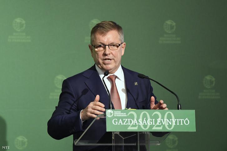 Matolcsy György a Magyar Nemzeti Bank elnöke beszédet mond a Magyar Kereskedelmi és Iparkamara gazdasági évnyitóján az InterContinental Budapest szállóban 2020. március 10-én.