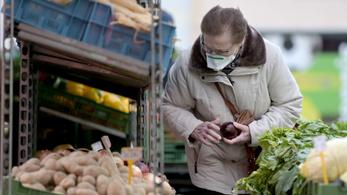 Ingyen taxizhatnak a járvány miatt a bécsi nyugdíjasok
