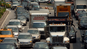 Trump a környezetvédelem rovására kedvez az autógyártóknak