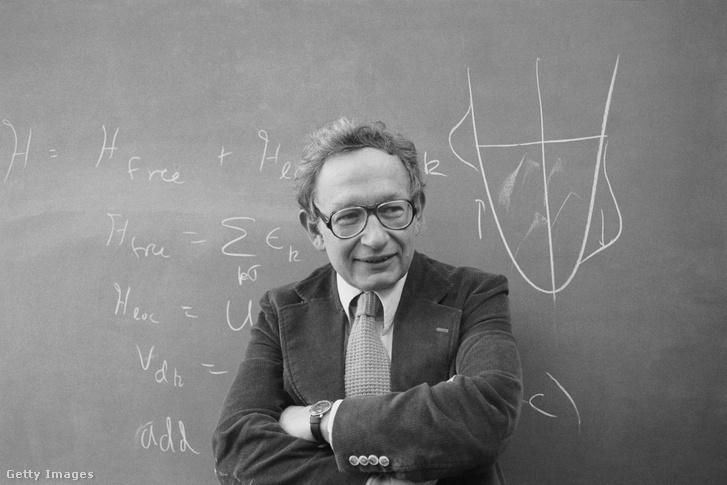 Philip W. Anderson 1977-ben