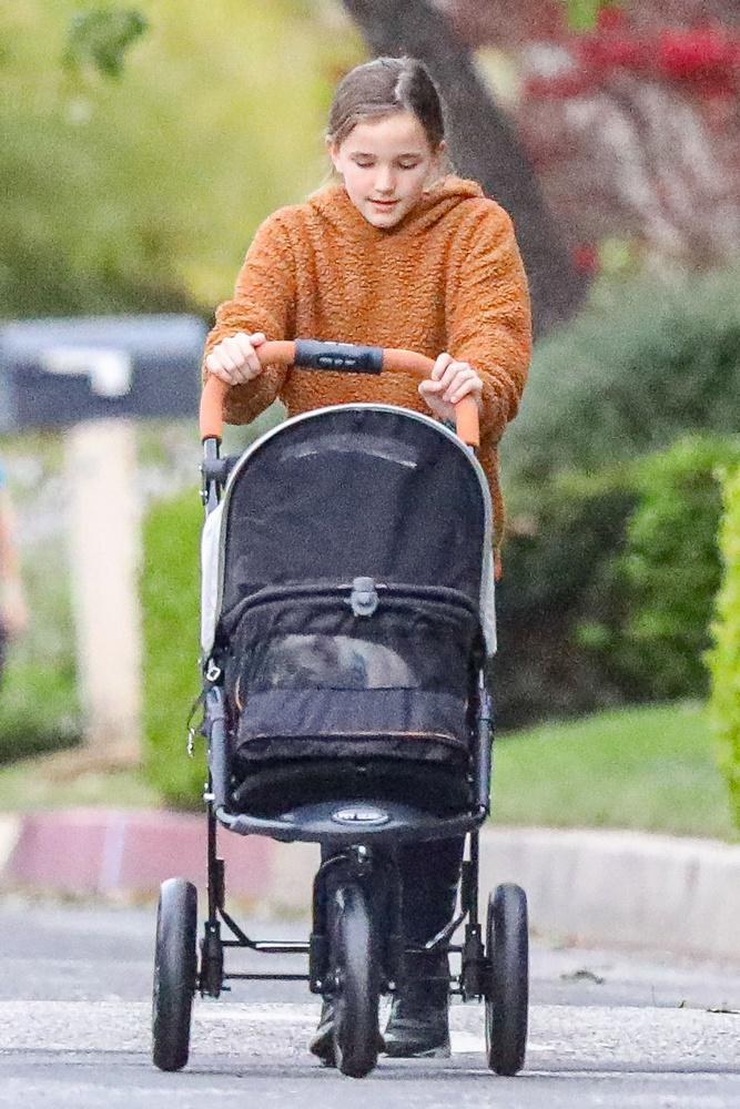 """A fő feladatot azonban a színésznő fia, Samuel Affleck látta el, hiszen ő kezelte a """"volánt"""" a cicaexpresszen."""