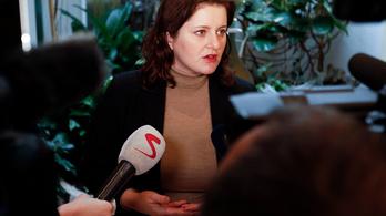 Csehországban az állam kifizeti a leállt cégeknél a bérek 80%-át
