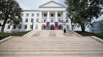 Újabb hat egyetem kerül át alapítványi működésbe