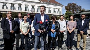 Ellenzék: A kormány Orbán Viktort tenné meg mindenki polgármesterének