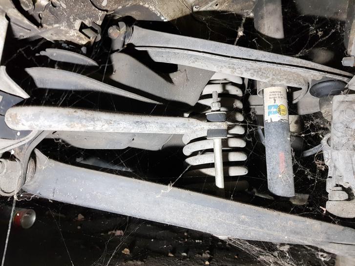 Egyetlen gumialkatrészt nem kellett kicserélni a futóműben, minden tökéletes és újszerű