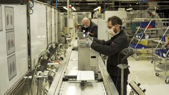 Lélegeztetőgépek gyártására áll át a Seat Barcelonában