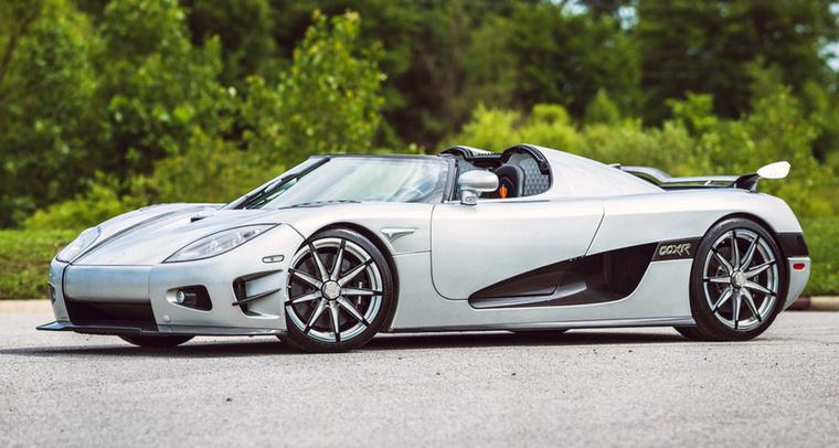 A CCXR Trevita egy limitált kiadású Koenigsegg, amiből csak 3-at gyártottak.                         Teljesítménye 1004 lóerő, nyomatéka pedig 1080 Nm, amit egy 4,8 literes V8-os motor ad le