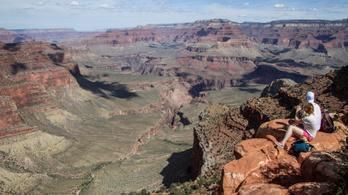 Százak mentek a Grand Canyonba, le kellett zárni