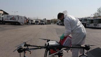 Drónnal fertőtlenítik a kukásautókat