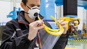 Repülőgépek helyett orvosi arcpajzsokat gyárt az Airbus