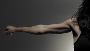 Edzés a szép karokért: integetőizom helyett feszes tricepsz