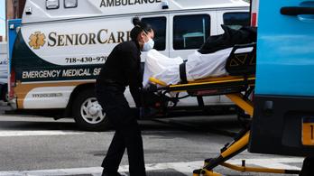 Koronavírus: sehol nem haltak meg egyetlen nap alatt annyian, mint az USA-ban