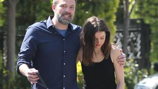 Egy felvétel szerint Ben Affleck és Ana de Armas hívja saját magára a lesifotósokat