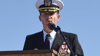 Az USA haditengerészete leváltotta a kapitányt, aki a koronavírus elleni fellépést sürgette levelében