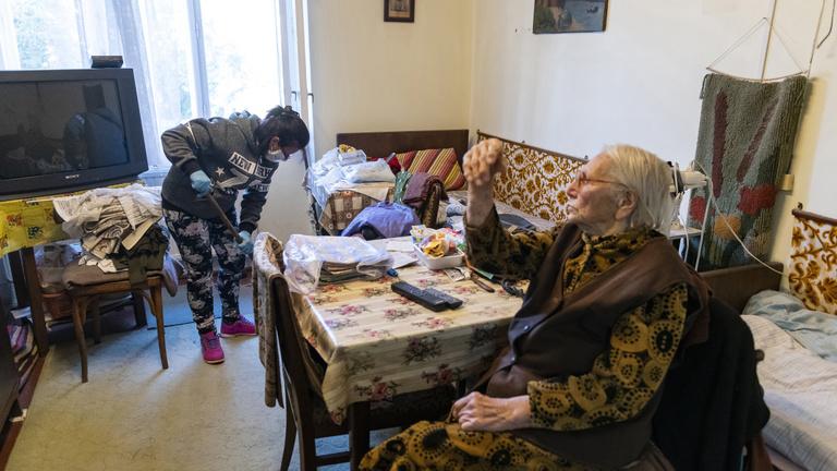Ki segít az időseken járvány idején?