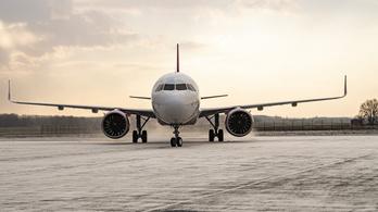 Szijjártó: Négymillió maszkot és több százezer védőruhát hoznak a Wizz Air gépei Kínából