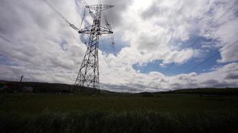 Kevesebb áramot fogyasztunk, zöldebb lett a magyar energia a korona miatt