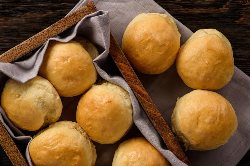 Foszlós burgonyás zsemle – A könnyű tésztát imádni fogja a család