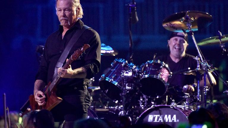 A Metallica 350 ezer dollárral segíti a koronavírus elleni védekezést