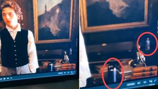 Baki: bennemaradt egy PET-palack a Kisasszonyok díszletében