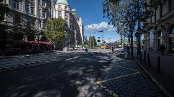Karácsony új buszsávokat jelentett be a Bartók Béla úton és a Baross utcában