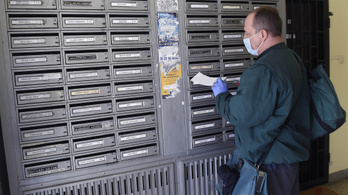 Hétfőtől nem kell aláírni a postai kézbesítésnél