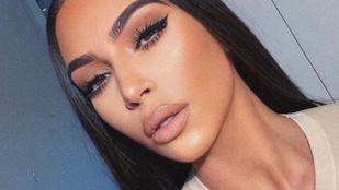 Kim Kardashian úgy vágta pofon testvérét, hogy tényleg a fal adta a másikat