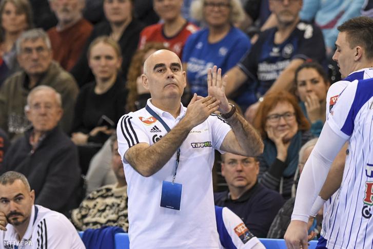 Juan Carlos Pastor, a Mol-Pick Szeged vezetőedzője a férfi kézilabda Bajnokok Ligája 13. fordulójában, az A csoportban játszott Flensburg-Handewitt–Mol-Pick Szeged-mérkőzésen Flensburgban 2020. február 19-én.