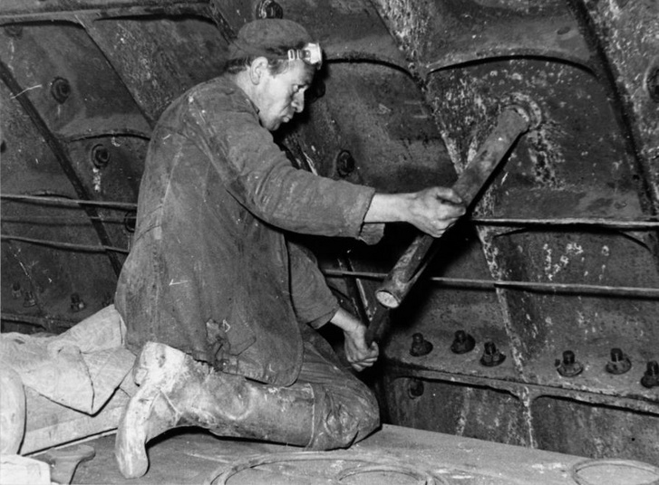 1959. Állagmegóvási munkák a szüneteltetett metróépítésen, az Astoria-Deák Ferenc tér közötti szakaszon - Forrás: Fortepan
