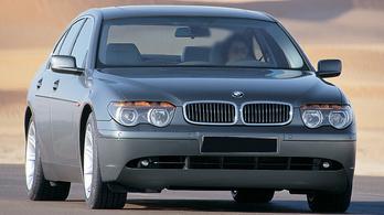 Az első Totalcar TV adásban egy BMW 745i-t teszteltünk