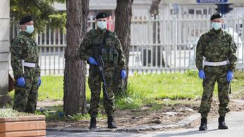 Horvátországban egyre több a rendeletszegő, Romániában kevesebb tesztet végeztek