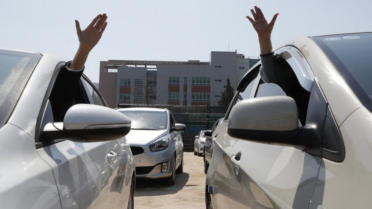 Így néz ki most egy autós mise Koreában