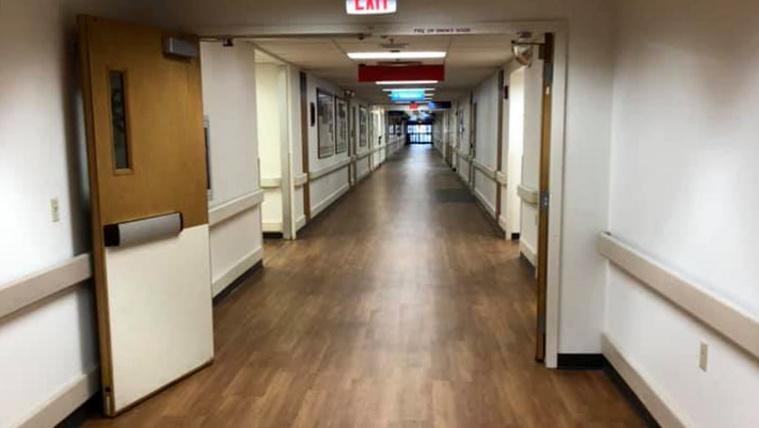 Észak-Floridában kísértetiesen üresek a kórházak