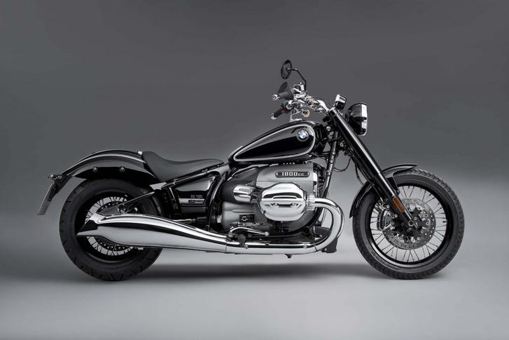 2020-BMW-R18-studio-24-scaled