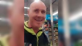 Leköhögte a vásárlókat egy új-zélandi férfi, letartóztatták