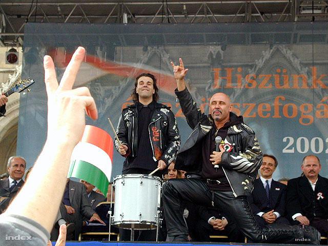 Pataky a Fidesz 2002-es Kossuth téri nagygyűlésén
