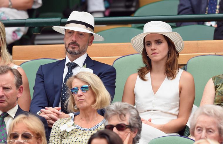 Ez bizony a 2018-as Wimbledoni tenisztorna, ahol ugyan Watson nem látszik túl lelkesnek, reméljük, élvezte az eseményt